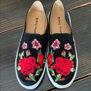 Dirty Laundry Embroidered Black Shoes